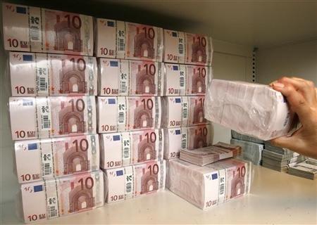 اليورو يقفز لأعلى مستوى في 7 أسابيع أمام الدولار