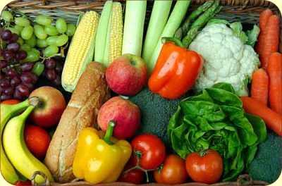 تناول الخضراوات والفاكهة نيئة يحفظ فوائدها