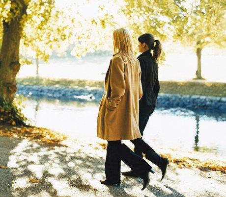 المشي لمدة 45 دقيقة يقّلل رغبة النساء في تناول الطعام