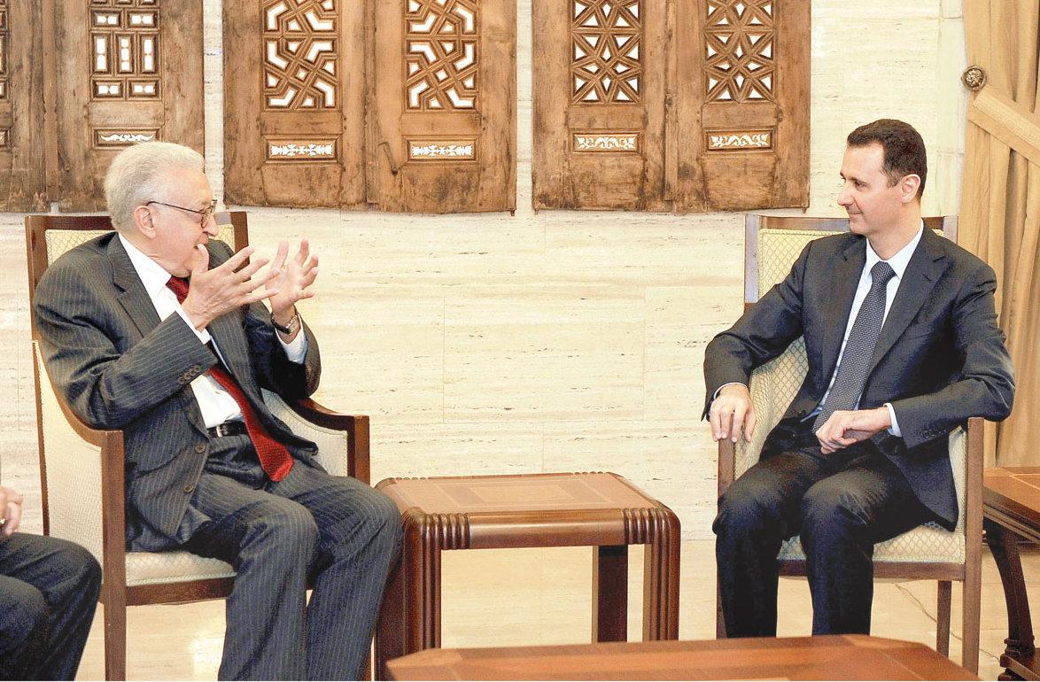 اﻷخضرالإبراهيمي بعد لقائه الأسد: الأزمة كبيرة جدا وتتفاقم
