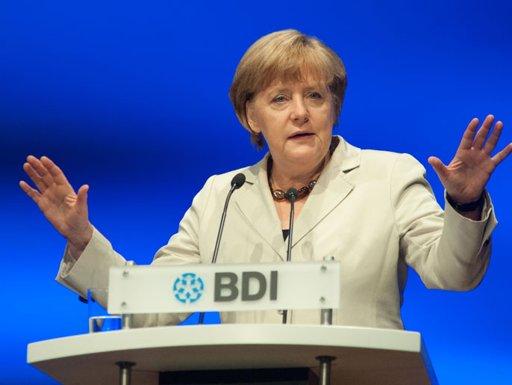ميركل: الأسواق قلقة بشأن أزمة اليورو