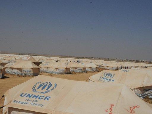 عدد اللاجئين السوريين يصل إلى 700 ألف