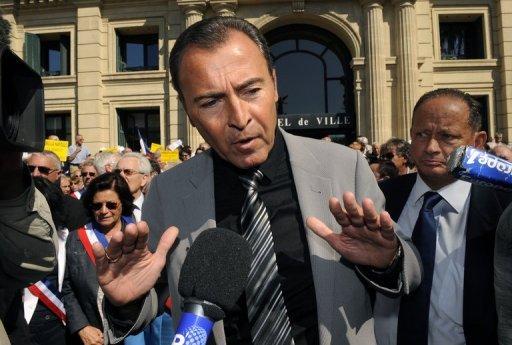 نائب فرنسي يطالب بلجنة تحقيق حول نشاط قطر في فرنسا