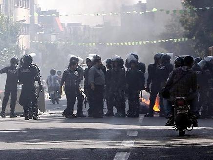 مظاهرات في طهران بسبب هبوط قيمة العملة الايرانية