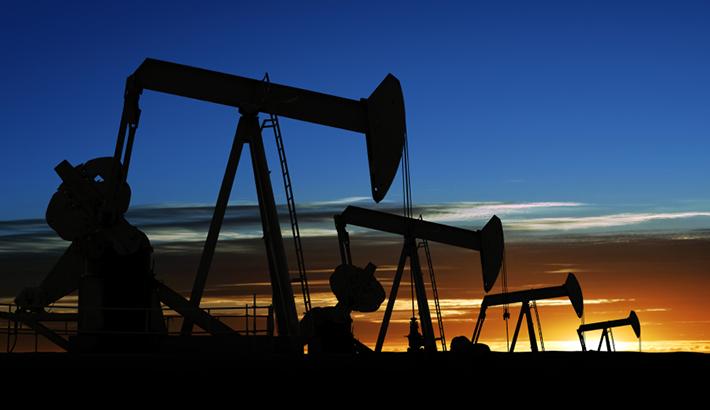 هبوط اسعار النفط ومؤشرات نحو استقرار الانتاج
