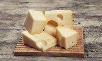 هل يمكن لتناول الجبن أن يُحَسِّن السمع ويعالج الصمم؟