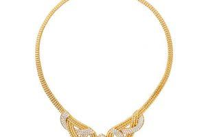شاينل تختار أسم لمجموعة المجوهرات الفاخرة بـ السحابة الطائرة