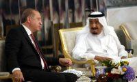 أردوغان يصل السعودية ويبدأ مساعي حل الأزمة الخلجية