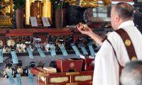 روبوت بوذي للجنائز في اليابان مع ارتفاع أجور الكهنة