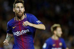 ميسي يقود برشلونة لخماسية بديربي كتالونيا