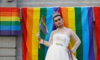 أكبر مسيرة مؤيدة للمثليين بعد السماح بزواج المثليين في العاصمة التايوانية