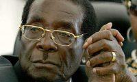 الظهور الأول للرئيس الزيمبابوي بعد سيطرة الشرطة على مقاليد السلطة